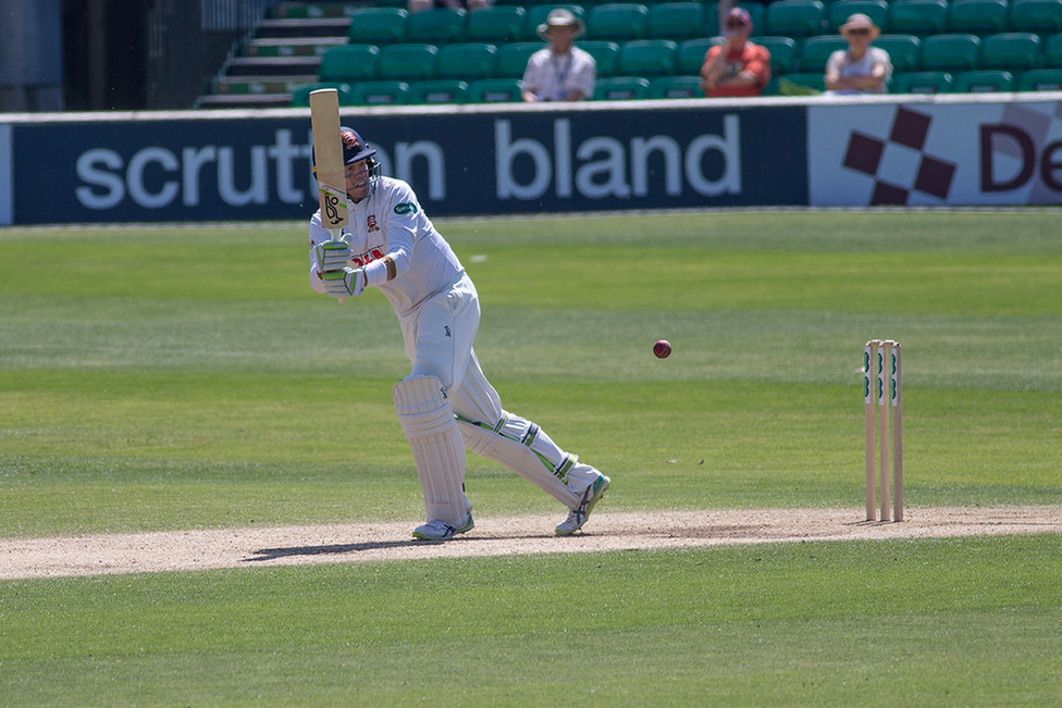 12 Siddle given out lbw this delivery_61Z0924.jpg