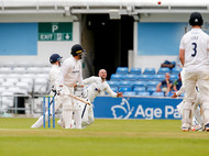 03Lyth catches Haines off Bess_61Z7741.j