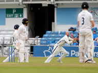 04Lyth catches Haines off Bess_61Z7743.j