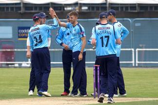 1st wicket to Ben Coad