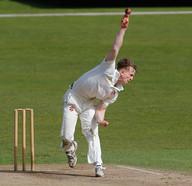Fallows, Uni bowler v YCCC 2021_61Z9886.