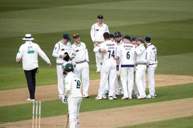 DO 5th wicket Broad lbw_61Z2951.jpg