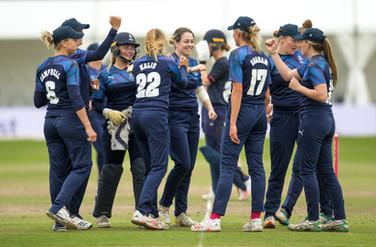 Katie Levick wicket celebration_61Z9508.