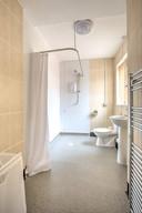 19- Bedroom 6 en-suite_H9A2439_41 Small