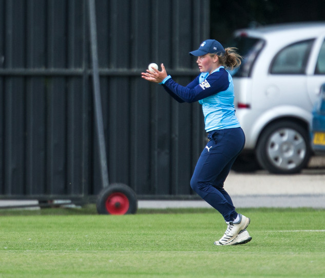 Bess Heath takes a safe juggling catch t
