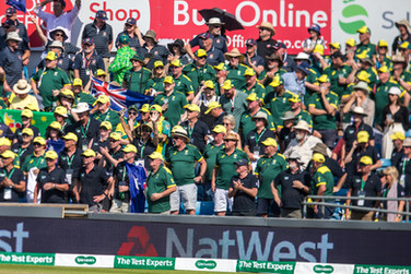 11  261-7 Aussies entertaining victory h