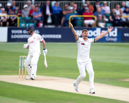 Coad LBW appeal against Ten Doeschate tu
