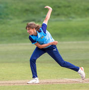 Phoebe Turner bowling_61Z7333.jpg