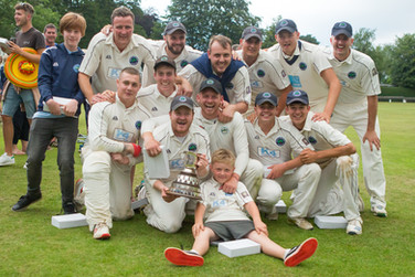 Team (Burley) with Cup 2109_H9A2256.jpg