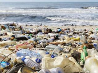 Plastic Odyssey, l'expédition qui veut s'attaquer à la pollution plastique dans le monde (entre autr