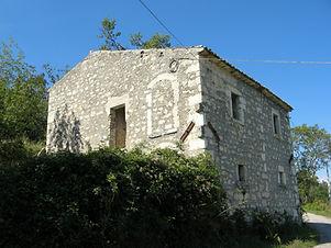 Casale da ristrutturare a Caramanico, Abruzzo house to be renovate