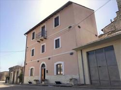 1 Castelvecchio Calvisio