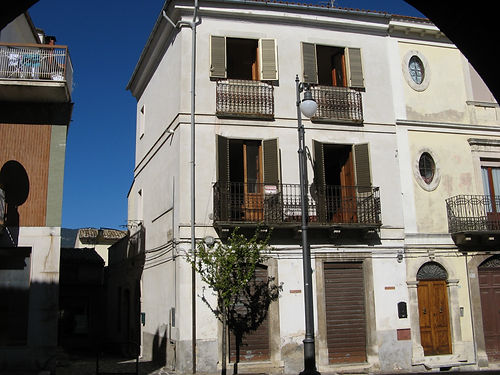 tocco casauria vendesi, abruzzo house for sale, house around italy