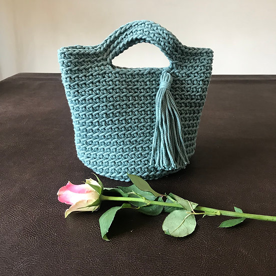 Crocheted cotton summer tote bag