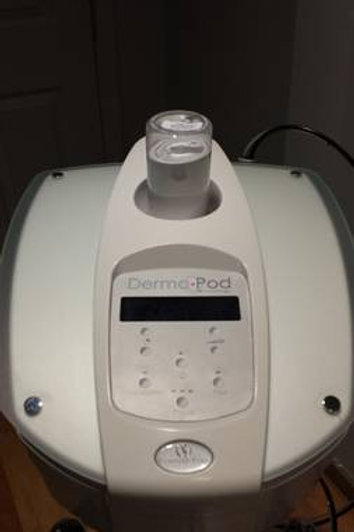 Dermapod Microdermabrasion Machine with Lights