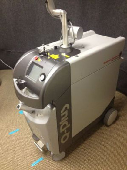 Quanta Q plus C tattoo removal machine laser