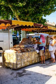 Les étals colorés du marché de Saillans