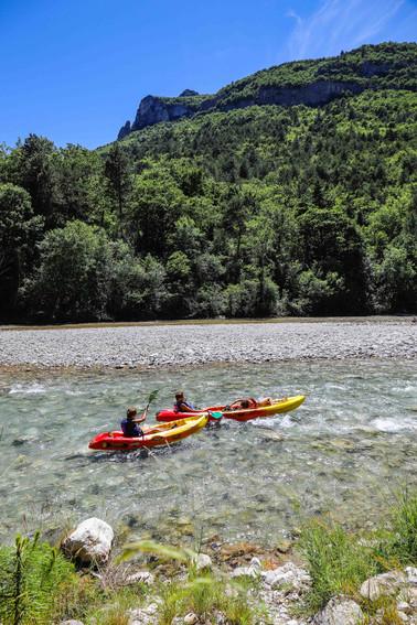 Descente sur la Drôme sous le soleil