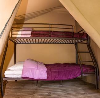 Chambre 2 : 1 lit double et 1 simple superposé