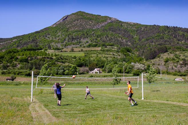 Le terrain de volley