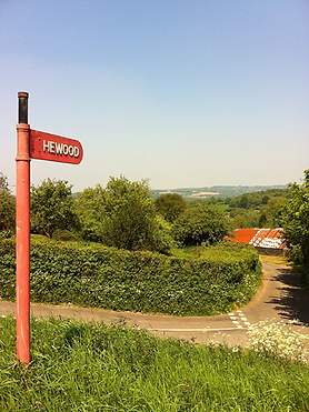 lower_hewood_farm-sign.png