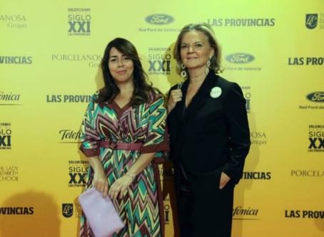 Luciana Brito y Pilar Mateo, en la gala de los premios Valencianos para el Siglo XXI