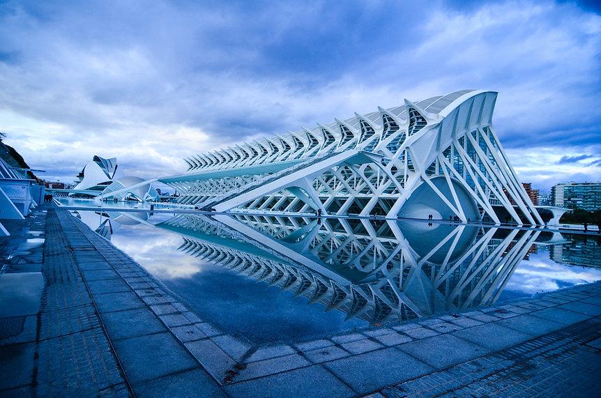 Calatrava-Ciudad-de-las-Artes-y-las-Cien
