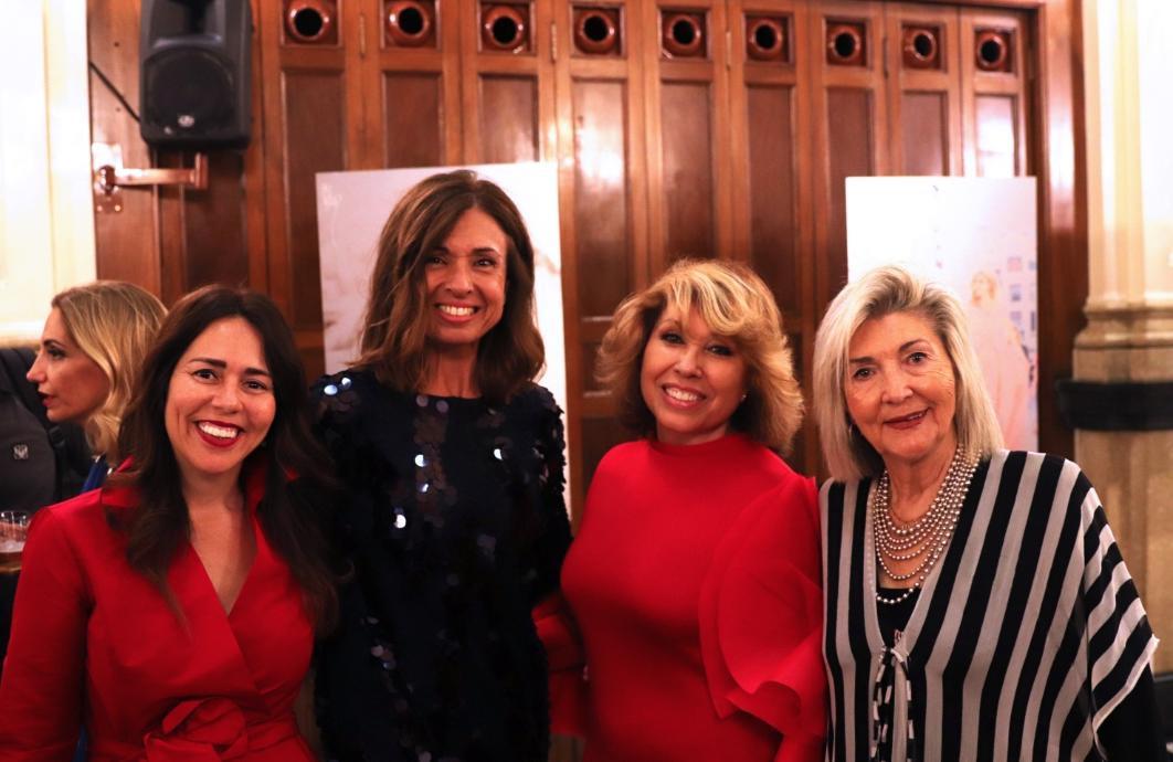 )Luciana Brito, Lina Lavin, Presen Rodriguez