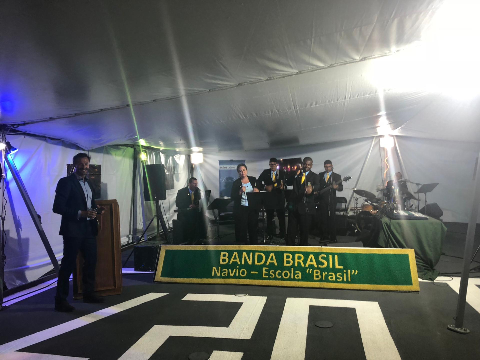 BUQUE ESCUELA BRASIL, FUNDACIÓN BRITO.