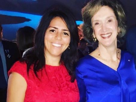 Luciana Brito en la Fiesta de Brasil en Barcelona con la Embajadora de Brasil.