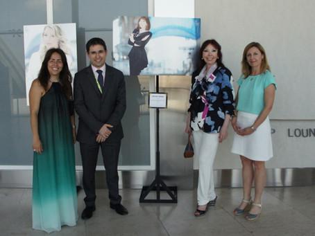 """El Aeropuerto de Valencia recibe la exposición """"Ella hace la diferencia"""" de la Fundación BRITO"""