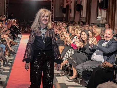 Luciana Brito en la VII Gala Benéfica de la AFAV en el Ateneo Mercantil de Valencia.