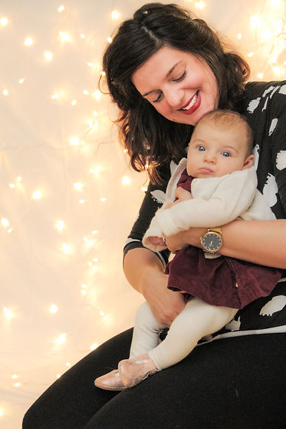 pop up studio, mummy and baby, christmas photo, mother and baby girl
