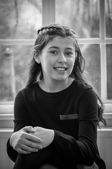 beautiful girl, bat-mitzvah, bat-mitzvah girls, stockport photographer, manchester photographer, family photoshoot, family photos, siblings, siblings with mum, children with mother, family