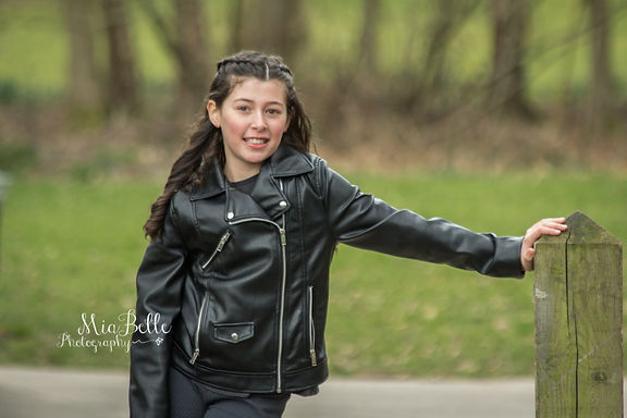 beautiful girl, bat mitzvah, nature photography, outdoor photography, cheadle photographer, cheadle village, stockport photographer, manchester photographer, natural light photography, kids, portrait, girl portrait