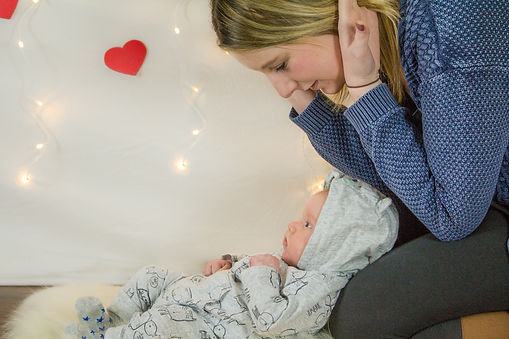 Valentine's, valentine's-day, love, baby-love, mummy and me, mummy-and-me, pop-up-studio, photography, hearts, fourth-trimester, stockport-photography, cheshire-photography