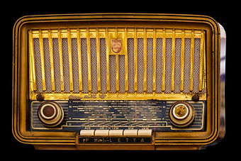radio-1682531_640.jpg