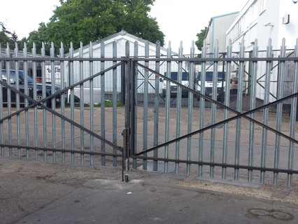 Bi Fold Gates