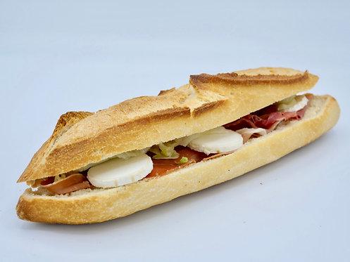 Sandwich jambon cru tomate chèvre