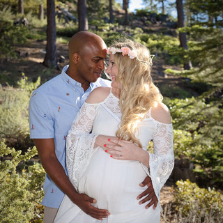 maternity photos in the tahoe forest