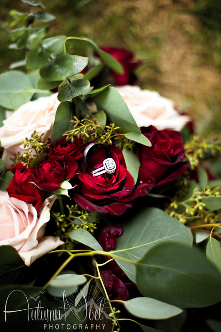 tahoe wedding bouquet and rings