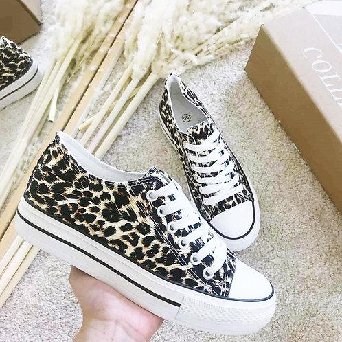 SneakerLeo