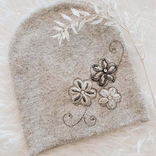 Winter Mütze Flowers grau