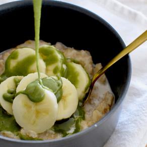 Oatmeal with Mulberry Matcha & Tahini Sauce (Vegan)