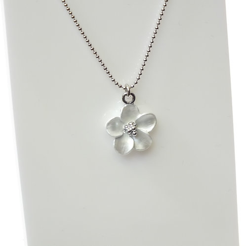 White Flower Necklace with Rhodium plated detail