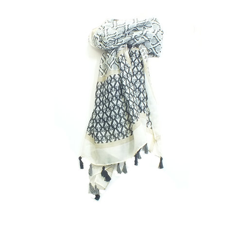 Scarf Baroque Print with Tassels in Black