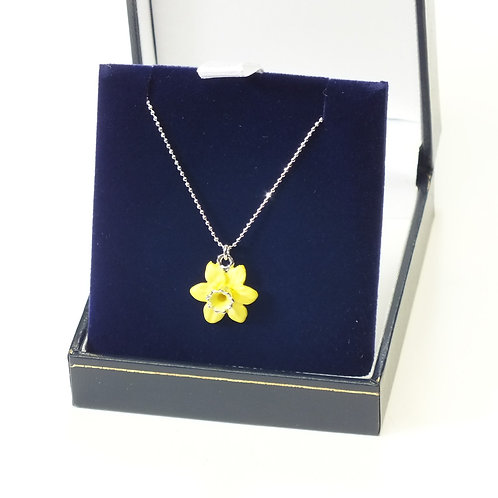 Small Yellow Gold Daffodil Necklace