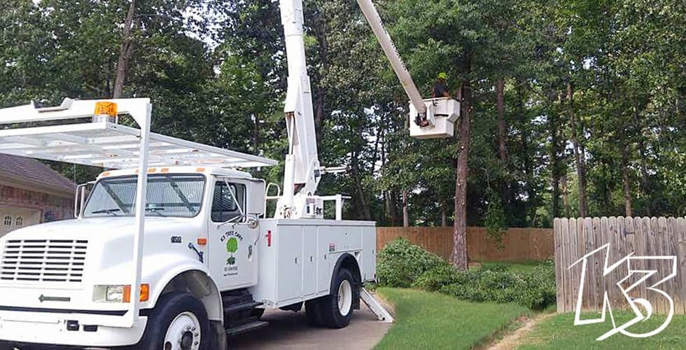 K3 Bucket Truck Tree Service