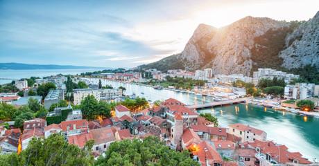 old-coastal-town-omis-in-croatia-at-nigh