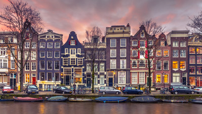 canal-houses-on-the-brouwersgracht-in-am